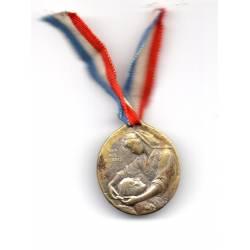 Médaille LE DEVOIR Aux infirmières de France 1914-1915
