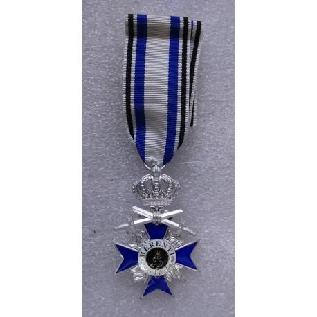Ordre du Mérite Militaire bavarois avec épée 4e classe reproduction