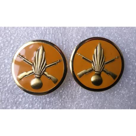 insignes de cols du 11e Régiment Parachutiste de Choc