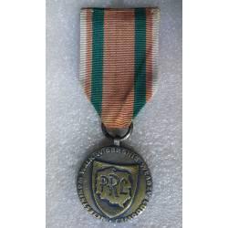 POLOGNE : Médaille pour la participation aux batailles pour la défense du pouvoir populaire