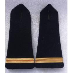 épaulettes d'Adjudant ou Adjudant Chef  (grade doré) selon arme