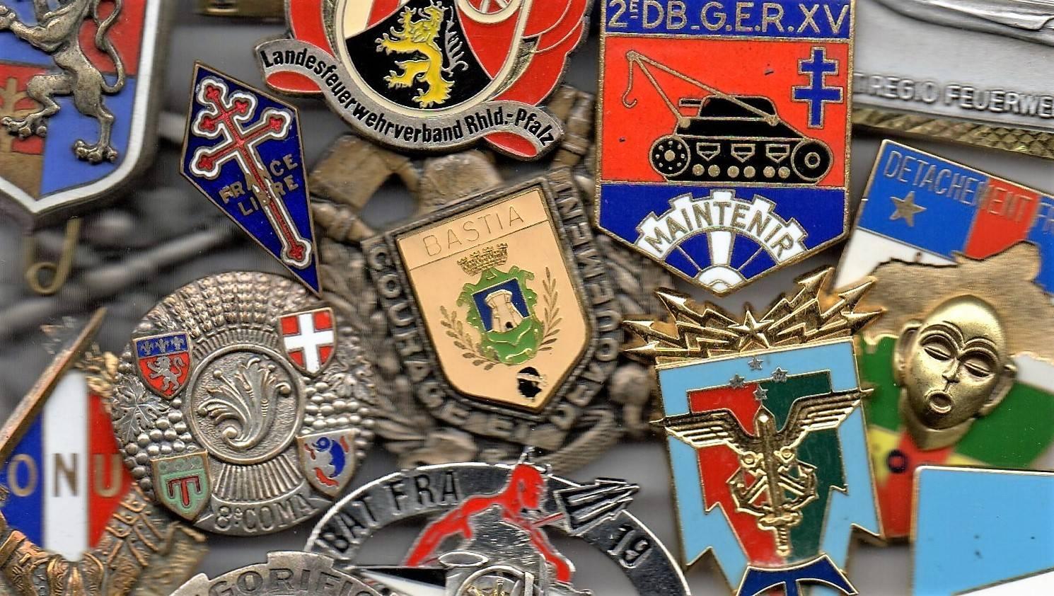 insignes militaires et civils pour collectionneurs